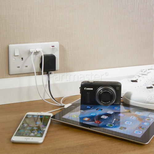 Universal 2 Gang Power Socket With 2A USB Charging Ports