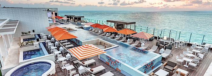 Royalton CHIC Suites Cancun Resort & Spa