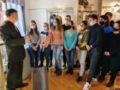 Первыми посетителями выставки марок «Будь героем» стали студенты рязанского политеха