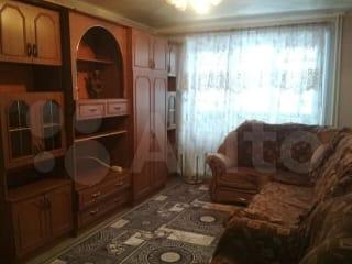 2-к квартира, 50 м², 1/10 эт.