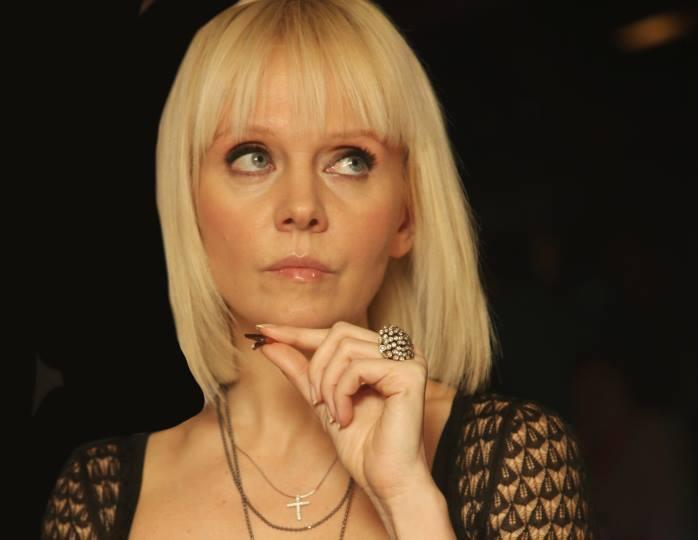 «Отличный наряд»: вслед за Пугачевой певица Валерия предпочла молодежный стиль в одежде