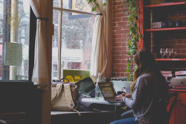 Digitale Nomaden – Der Traum zwischen Laptop und Gaskocher