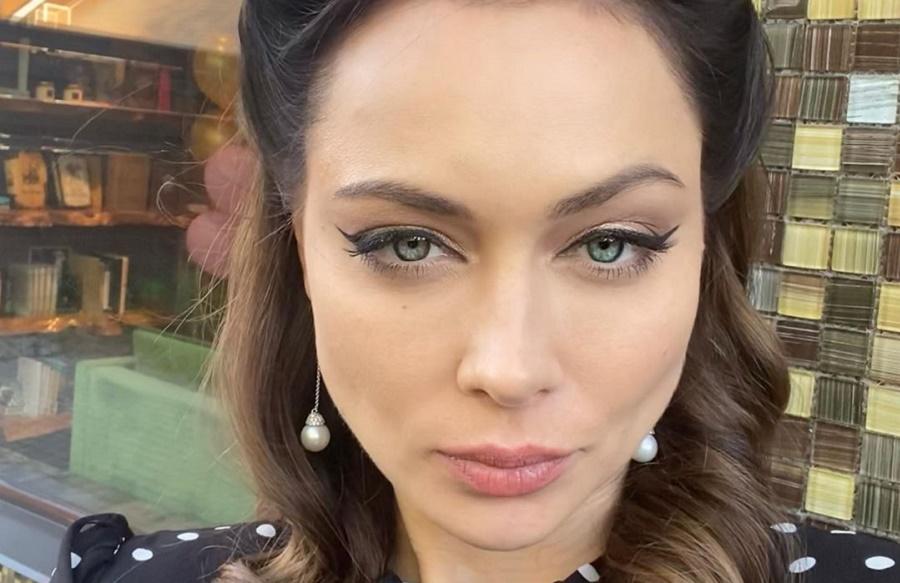 «Актрисулька с выражением лица быдла»: Боня ответила Самбурской