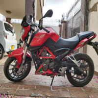 Benelli tnt25 180 km done only.