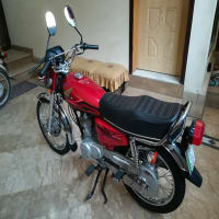 Honda CG 125 2017 Model, Well cared and Highly Maintained Bike (Grw)