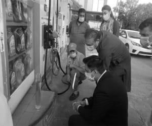 Motorists in Islamabad Measure Fuel in Petrol Stations