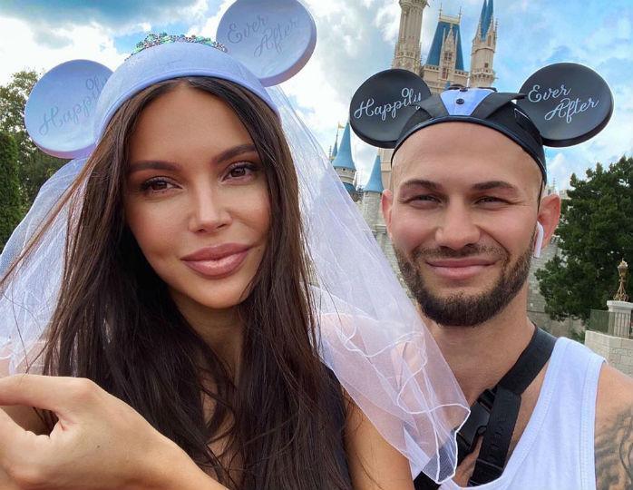 «Я знаю, что все хотят подробностей»: Самойлова подогрела слухи о скором разводе с Джиганом