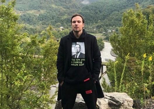 Алексей Чадов самоизолировался вместе с сыном