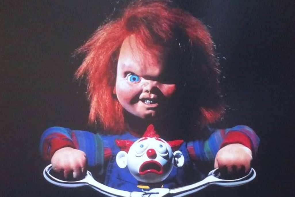 Создатель фильмов ужасов о кукле Чаки покончил собой
