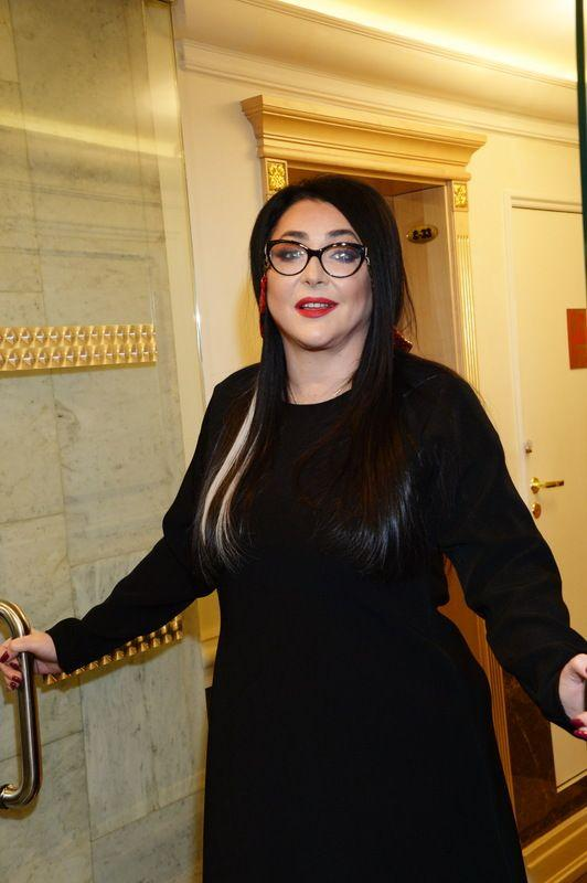 Нет мысли немедленно бросаться в ЗАГС: Лолита Милявская рассказала об отношениях с новым избранником