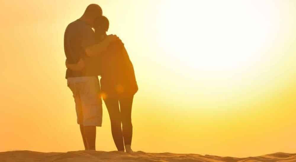 The-Best-Desert-Holiday-Destinations-on-Earth-Couple-in-the-Sahara | AllClear Travel Blog