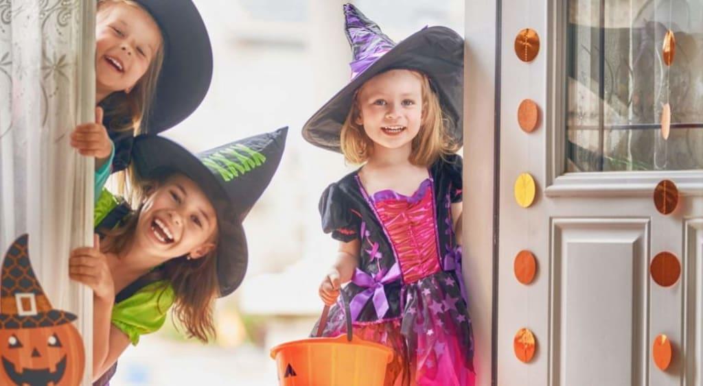 Halloween-Activities-for-Grand-kids-fancy-dress-AllClear-Travel-Blog