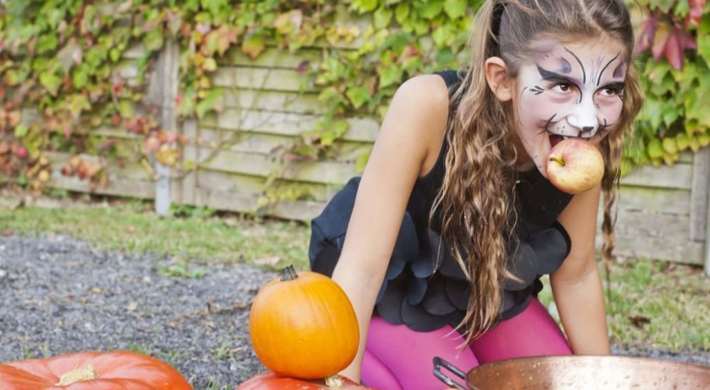 Halloween-Activities-for-Grand-kids-Crafts-Apple-Bobbing-AllClear-Travel-Blog