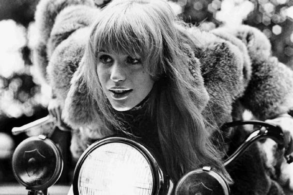 Британская звезда 60-х попала в больницу с коронавирусом