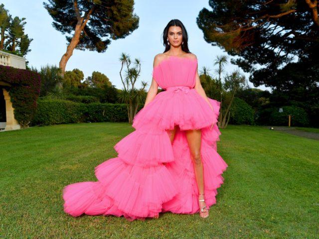 Лучшие платья с amfAR — самой красивой вечеринки Каннского фестиваля!