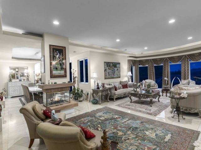 luxury houses vancouver