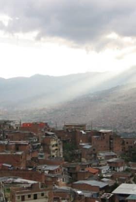 Tom Cruise begins filming Mena in Colombia