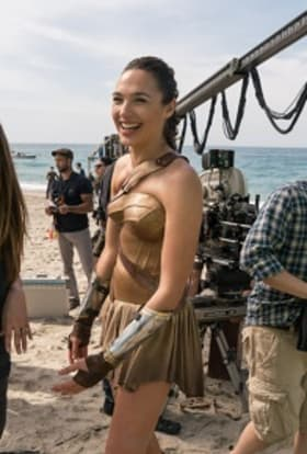 Gal Gadot films Wonder Woman 2 in the UK