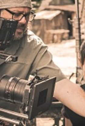 Charity campaign films Thai-Myanmar refugee camps