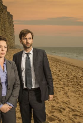 David Tennant, Anna Gunn star in Broadchurch remake