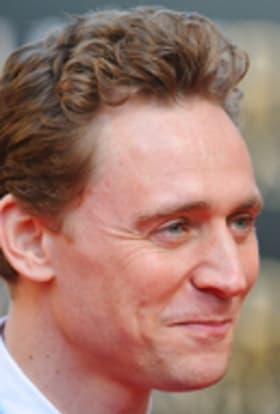 Tom Hiddleston sees the light