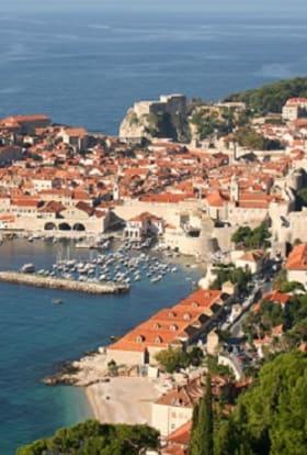 Shah Rukh Khan heads to Dubrovnik & London to film Fan