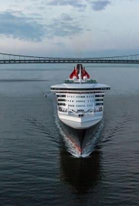 Steven Soderbergh films on board Queen Mary 2