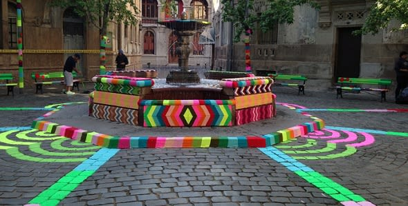 7Up starts global campaign with urban knitting ad