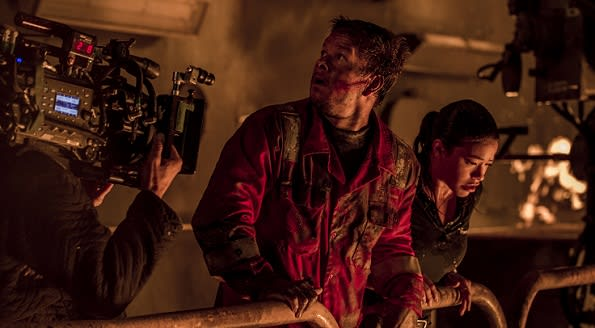 Deepwater Horizon Wahlberg on set