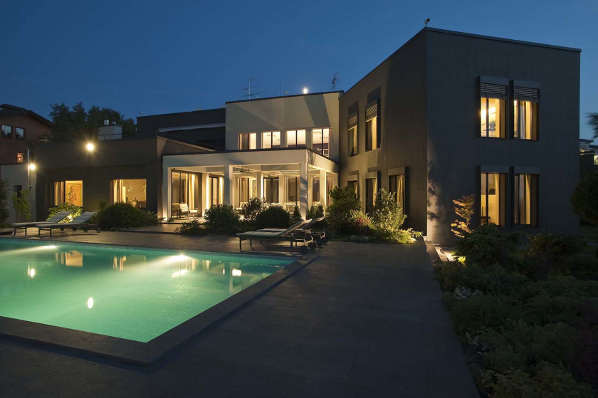 Будинок в сучасному стилі