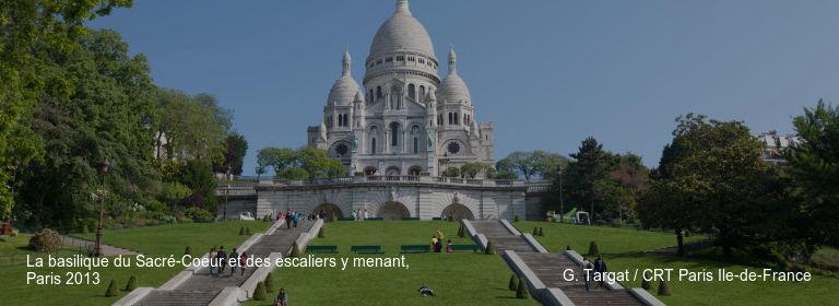La basilique du Sacré-Coeur et des escaliers y menant%252C Paris 2013 G. Targat %252F CRT Paris Ile-de-France