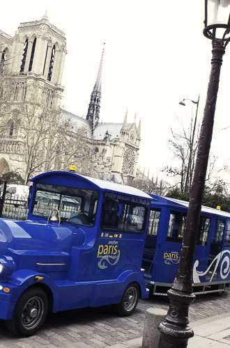 Another Paris%252C le petit Train bleu dans les rues de Paris Thierry Prat