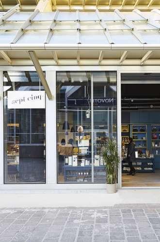 Façade de la boutique Sept-Cinq%252C Paris%252C 2016. G. Hermach