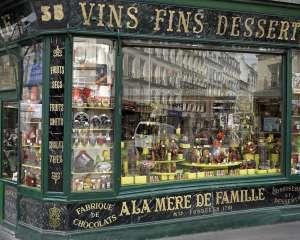 Boutique A la Mère de Famille, la plus ancienne chocolaterie de Paris A La Mère de Famille