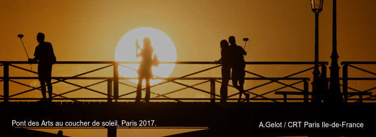 Pont des Arts au coucher de soleil, Paris 2017. A.Gelot / CRT Paris Ile-de-France