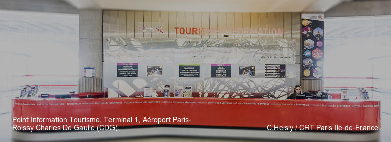 Point Information Tourisme, Terminal 1, Aéroport Paris-Roissy Charles De Gaulle (CDG). C.Helsly / CRT Paris Ile-de-France