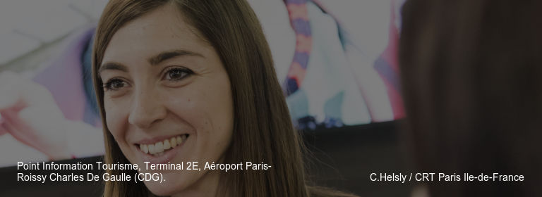 Point Information Tourisme%252C Terminal 2E%252C Aéroport Paris-Roissy Charles De Gaulle (CDG). C.Helsly %252F CRT Paris Ile-de-France