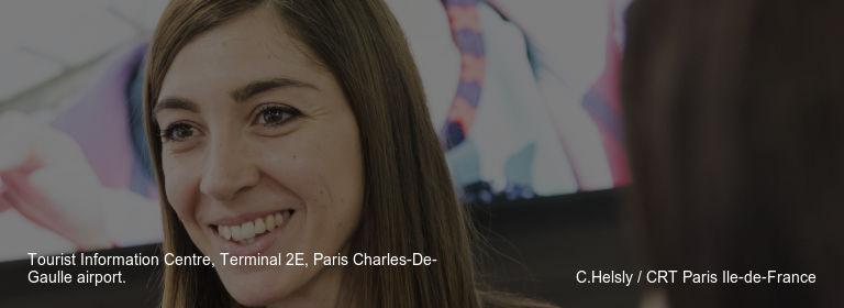 Tourist Information Centre, Terminal 2E, Paris Charles-De-Gaulle airport. C.Helsly / CRT Paris Ile-de-France