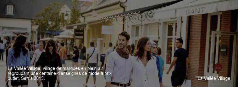 La Vallée Village, village de marques en plein air regroupant une centaine d'enseignes de mode à prix outlet, Serris 2015. La Vallée Village