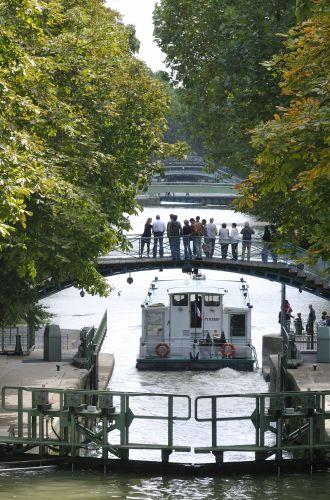 Croisière Canauxrama%252C écluse du Canal Saint-Martin%252C Paris 2008. Jarry-Tripelon %252F CRT Paris Ile-de-France