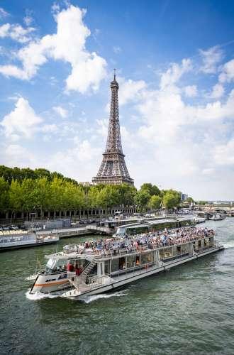 Bateaux Parisiens sur la Seine