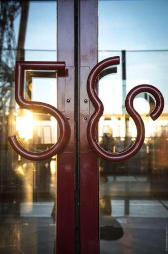 58 Tour Eiffel%252C restaurant du 1er étage de la Tour Eiffel%252C mix plat%252C Paris 2015
