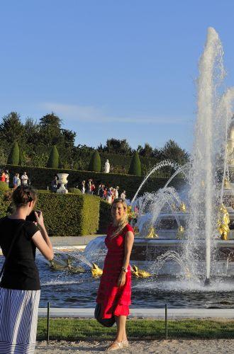 Domaine de Versailles%252C les jardins%252C Bassin et Parterre de Latone pendant les Grandes Eaux Musicales. CRT IDF%252FTripelon-Jarry