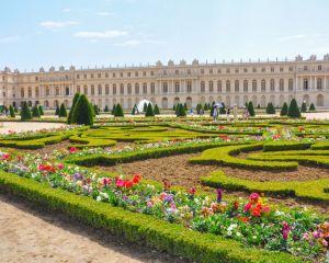 Château de Versailles, jardins à la française, 2011.