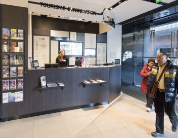 Point Information Tourisme des Galeries Lafayette C.Helsly / CRT Paris Ile-de-France | Services