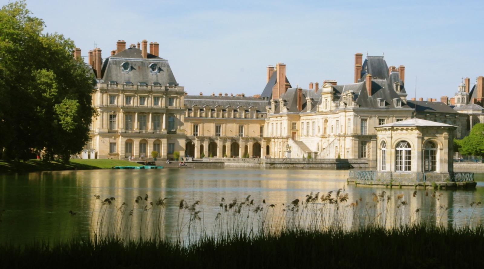 Château de Fontainebleau%252C étang des carpes. Château de Fontainebleau%252C étang des carpes.