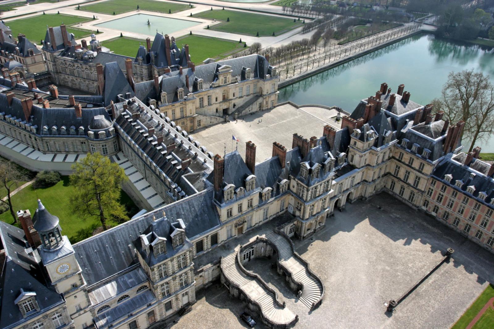 Château de Fontainebleau%252C vue aérienne. Château de Fontainebleau