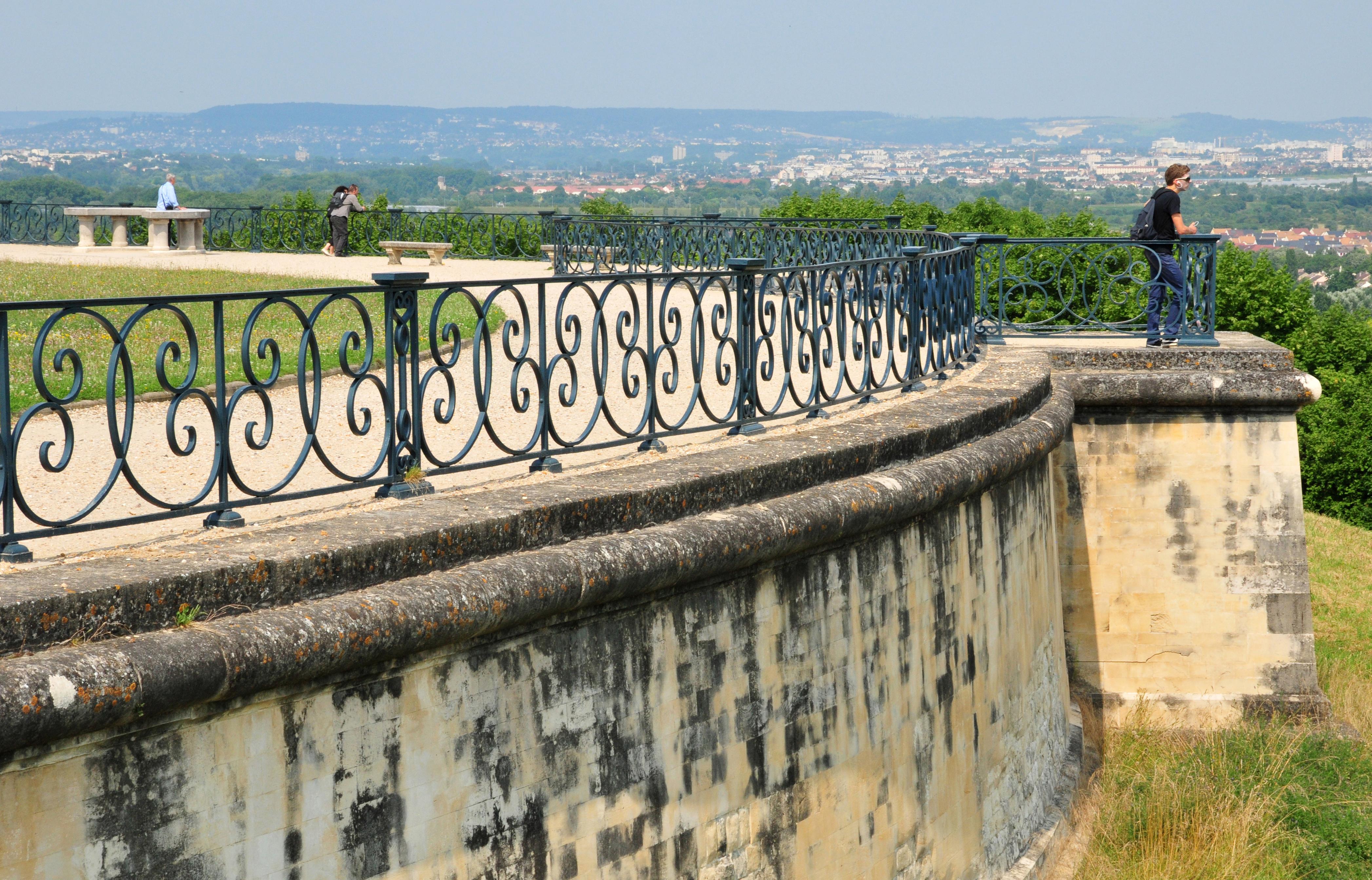 Saint Germain%252C grande perspective PackShot%252Fstock.adobe.com