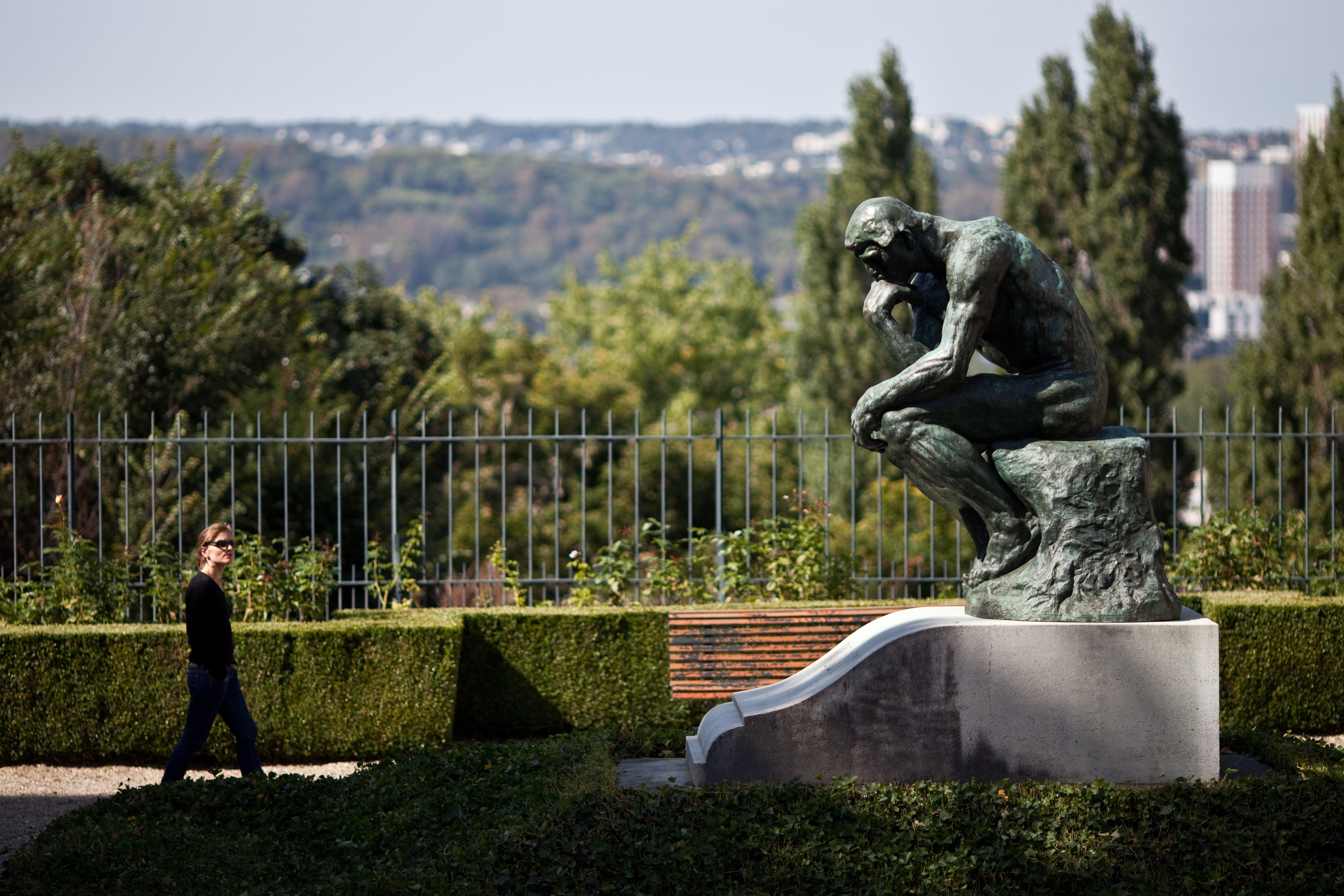 Musée Rodin Meudon. Le Penseur sur la tombe de Rodin. Musée Rodin%252FJ. de Calan