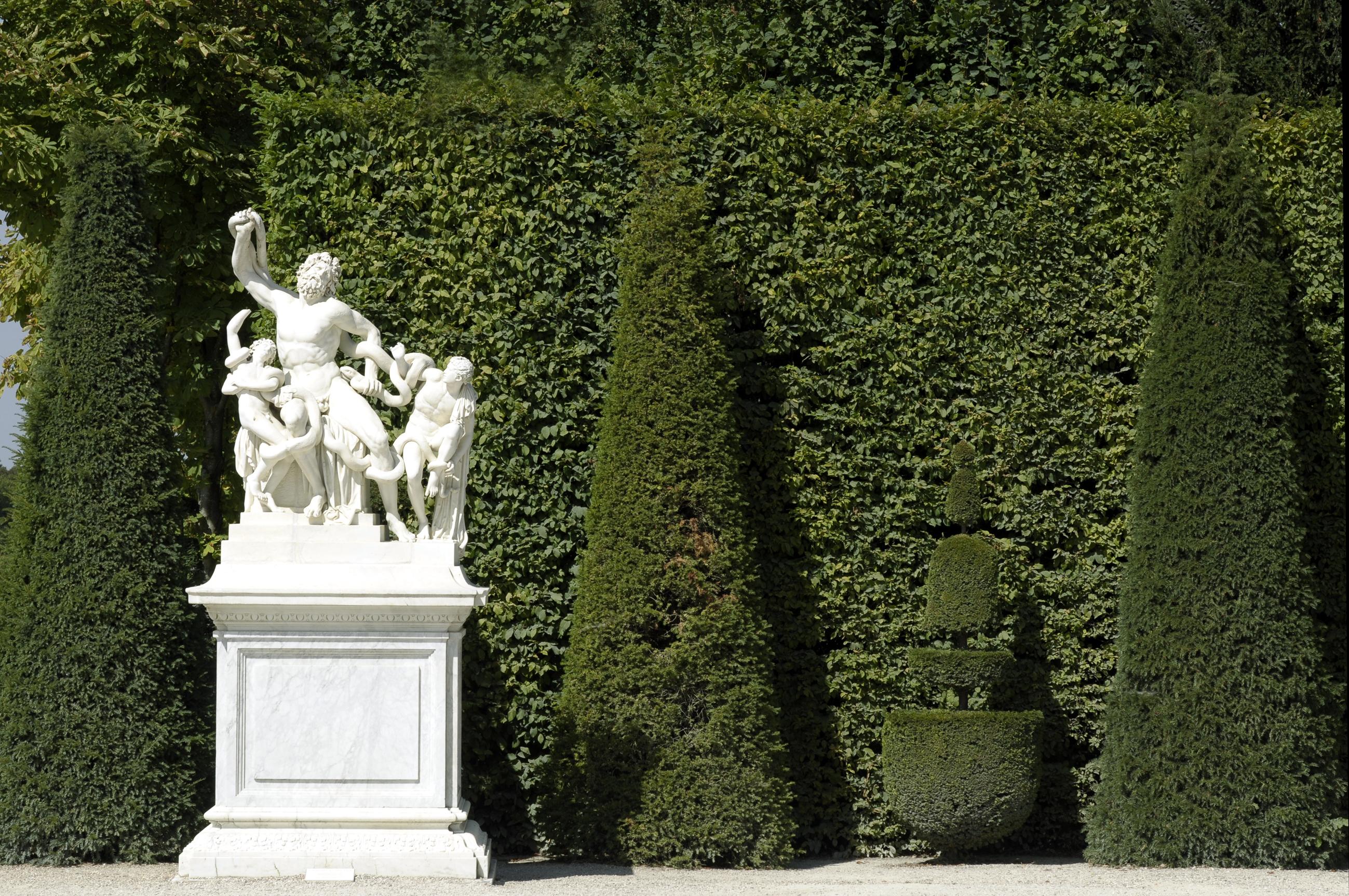 Chateau de Versailles%252C Grande Eaux Musicales et Grandes Eaux Nocturnes Visite du Potager du Roi%252C Versailles 2011.
